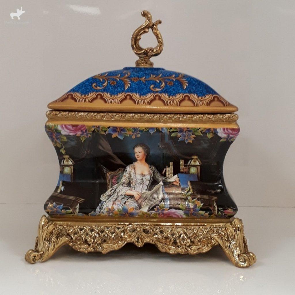 دکوری سلطنتی شکلات خوری ۳۹۷۲